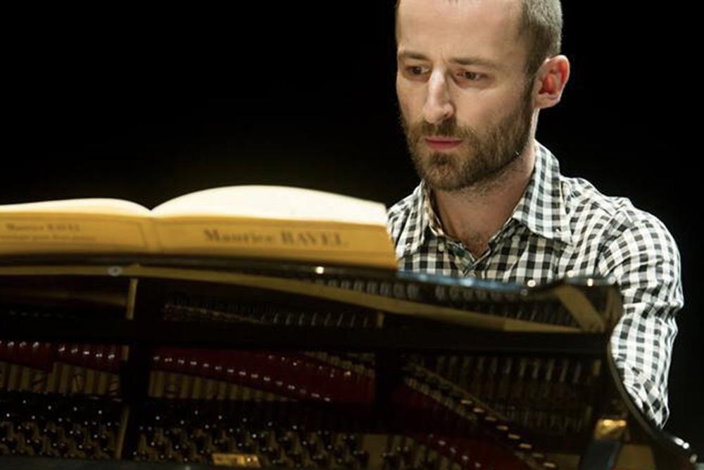 Aurélien Richard - compositeur, pianiste, chorégraphe et directeur artistique de la compagnie Liminal et de Piano Lab