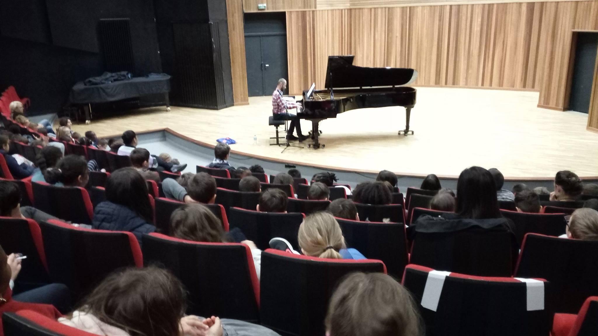Une journée au Conservatoire de Brest avec les écoles de Quéliverzan